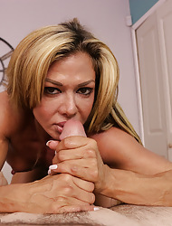 Toned, tanned increased by grasping MILf Nina stroking chubby horseshit