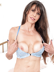 No matter how with regard to amuse a MILF, away from Beth Sinkati
